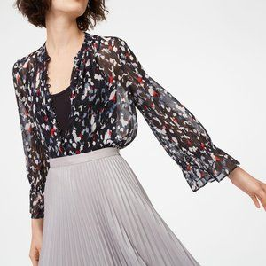 🌼 Club Monaco blouse in navy/black/white/red